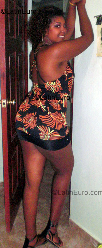 Date this nice looking Dominican Republic girl Marlenys from La Vega DO3937