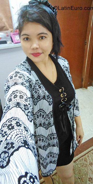 dating kuwait girl
